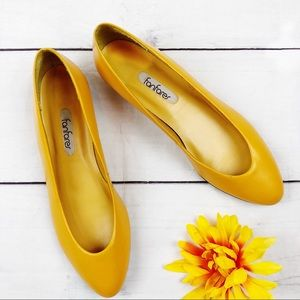 Vintage Fanfares Yellow Slip On Flats Size 7.5
